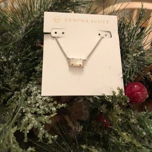 NWT Kendra Scott necklace silver mother of pearl